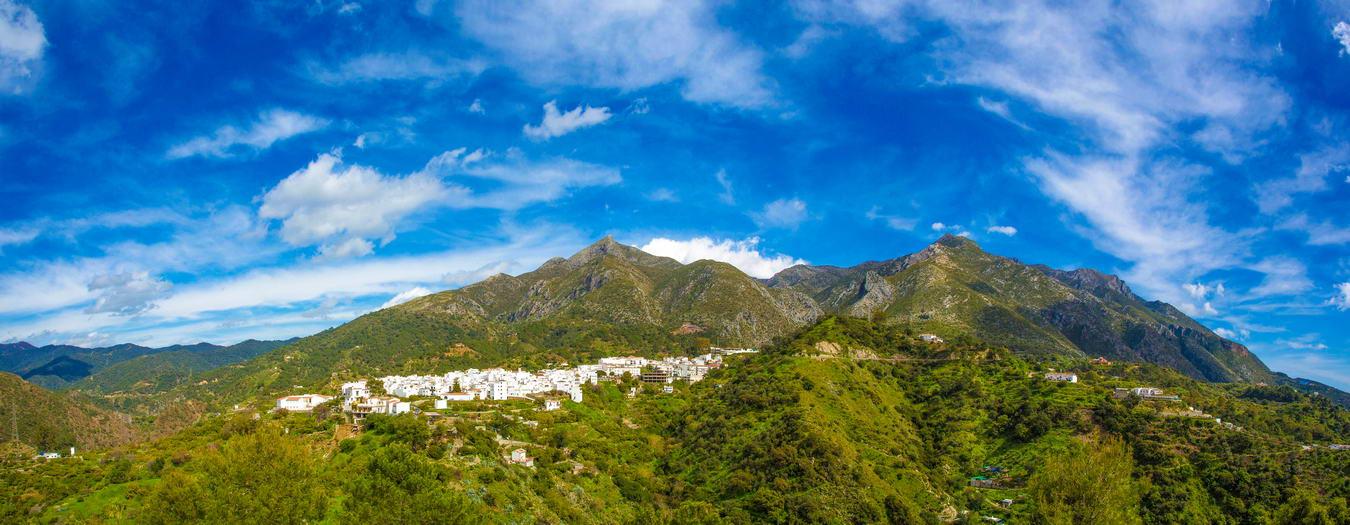 sierra-blanca-mountain-ranges-in-spain